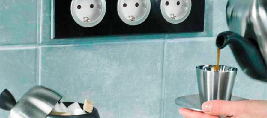 Где лучше расположить розетки и выключатели в доме?