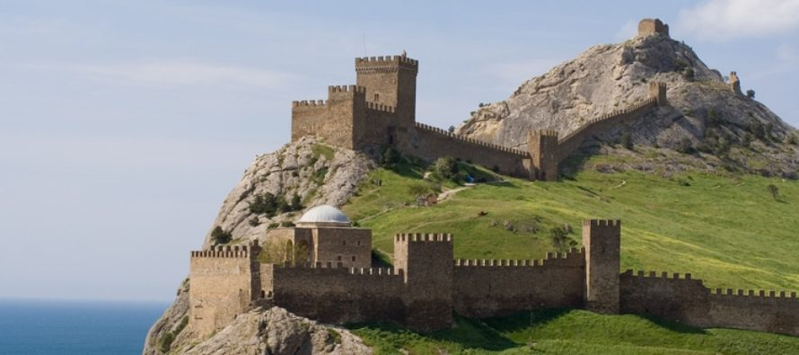 Какие достопримечательности можно посетить в Судаке республика Крым