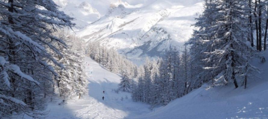 Горнолыжников и сноубордистов просят отгадать дату первого снега в Шерегеше