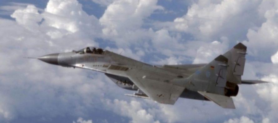 Порошенко прибыл в Винницу на боевом самолете МиГ-29