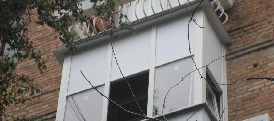 Заказать остекление балкона – уют и удобство задешево