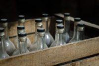 В Бийске брата с сестрой судят за сбыт опасного спирта