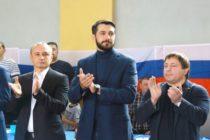 Александр Прокопьев открыл в Бийске турнир по греко-римской борьбе