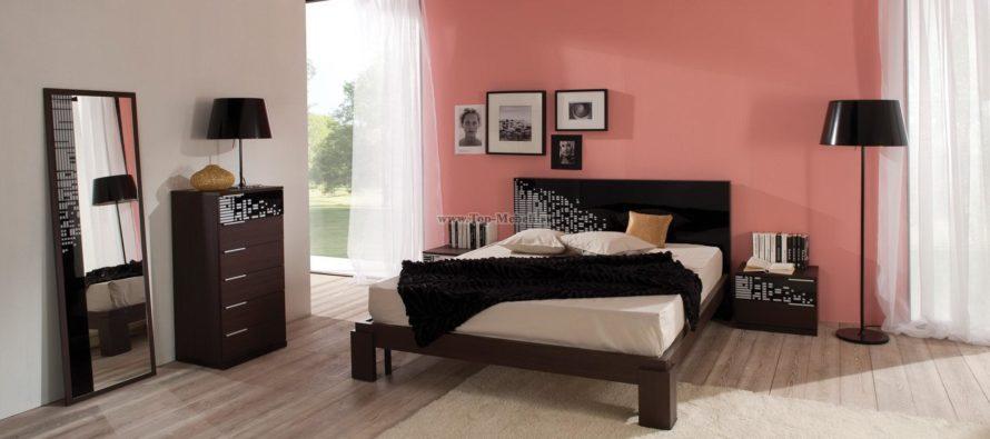 Расположение мебели в спальне: как разместить прикроватную тумбу?