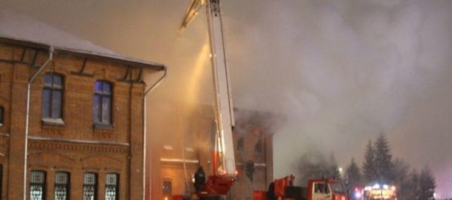 Неизвестный человек погиб при пожаре в «Доме афганцев» в Барнауле