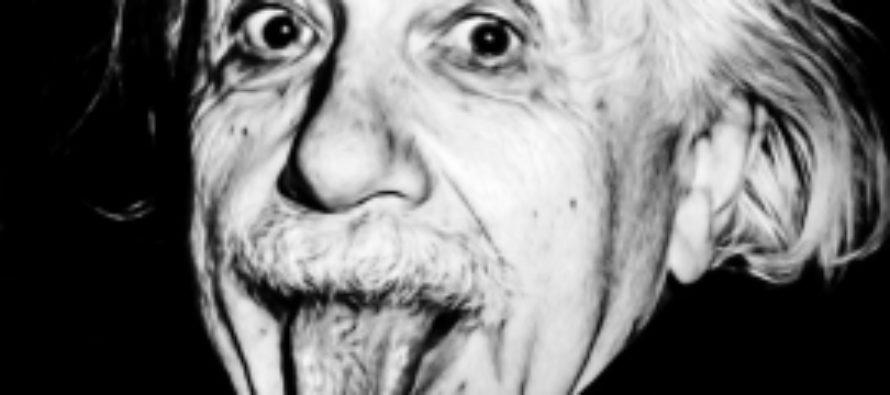 14 марта отмечаем день рождения Эйнштейна. История его самой знаменитой фотографии