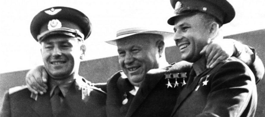 Музей Титова в Алтайском крае проводит выставку, посвященную Гагарину