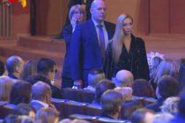 Праздничный показ Юдашкина: Пугачева в белом, Лорак в мини, Киркоров в перьях