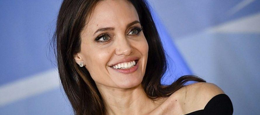 Друзья Джоли: «У Анджелины роман с агентом по недвижимости»