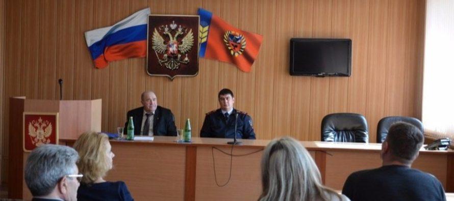 Новые правила взаимодействия госавтоинспекторов и водителей обсудили в Бийске