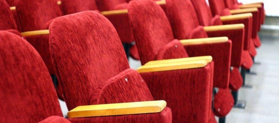 Депутаты Госдумы намерены перенести кинотеатры на первые этажи торговых центров