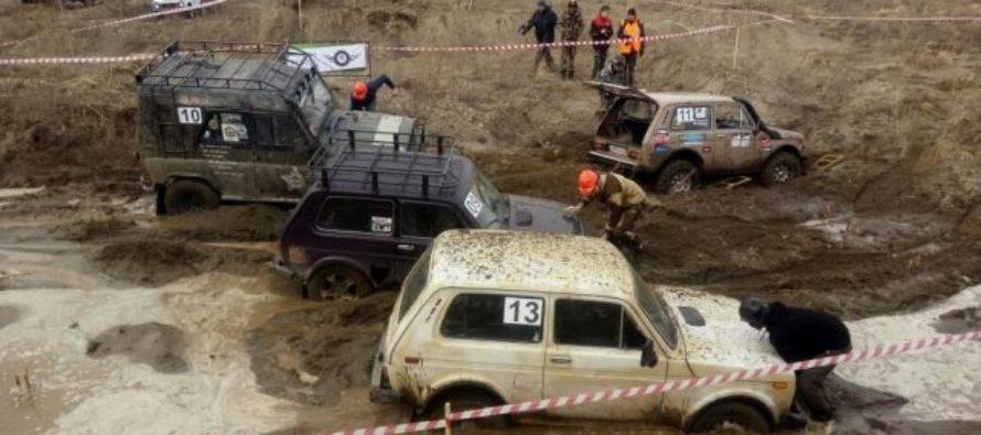 Зрелищные гонки. Джип-спринт «Апрельский кураж» прошел в Барнауле