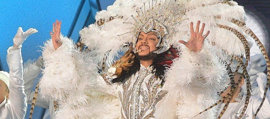 Неизвестные вскрыли фуру с концертными костюмами Киркорова. Похищенные стразы артист оценил в 11 тысяч долларов