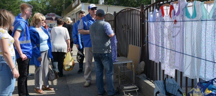 Дружинники патрулируют территорию несанкционированной торговли на улице Малая Попова