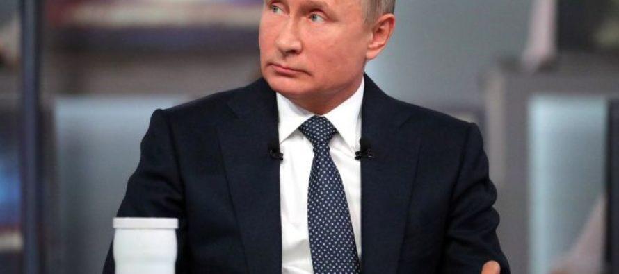 Путин потребовал не допустить снижения зарплат
