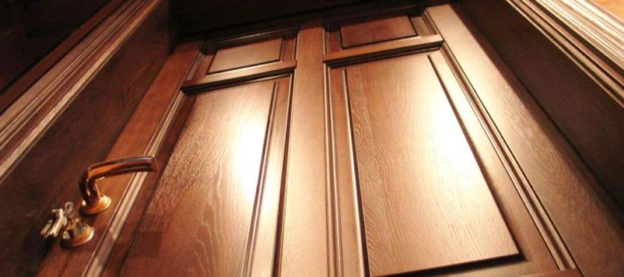 Выбор качественных дверей: насколько тяжело ухаживать за дверьми из массива?