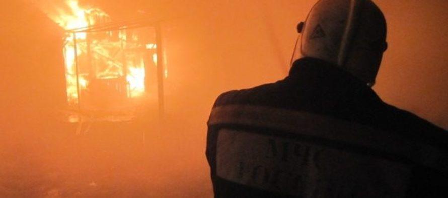 Крупный пожар произошел на шинном заводе Барнаула