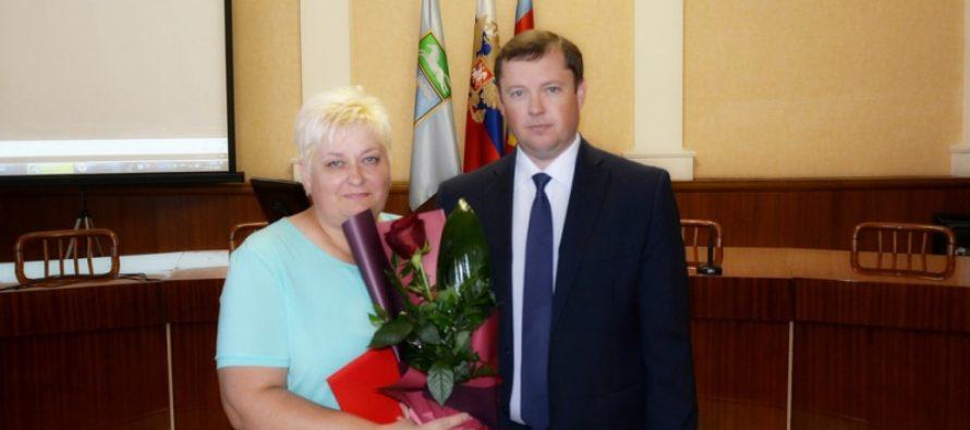 В Барнауле прошла торжественная встреча, посвященная Дню работников торговли и общественного питания