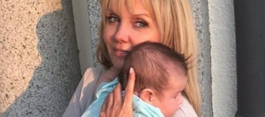 «Не внук»: Валерия заинтриговала соцсети снимком с грудным малышом