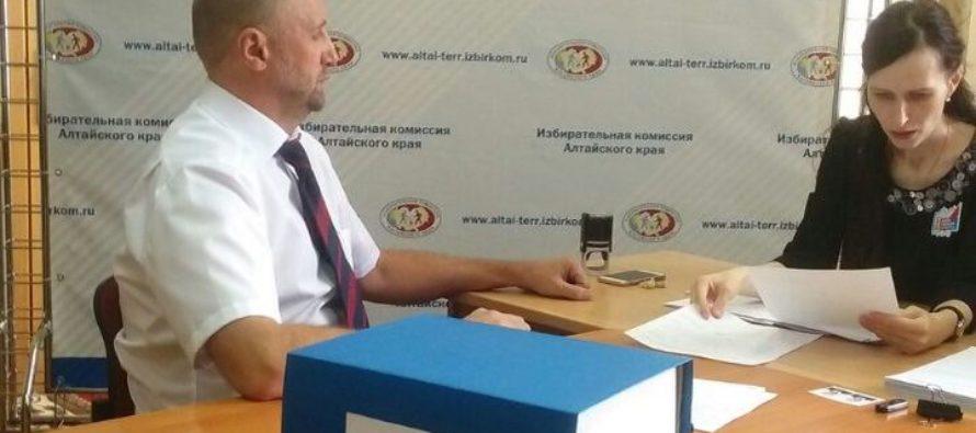 Четыре кандидата в губернаторы Алтайского края сдали подписи в свою поддержку