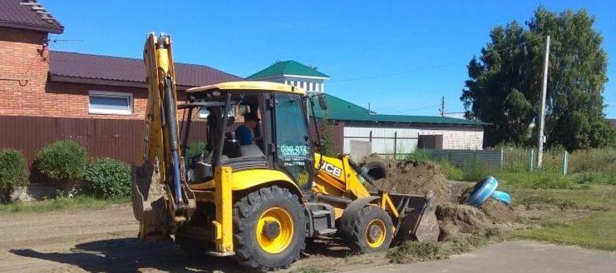 В Новомихайловке начали обустройство спортивной площадки по проекту поддержки местных инициатив