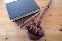 Преподавателя из Бийска приговорили к 15 годам за убийство 5-летней дочери